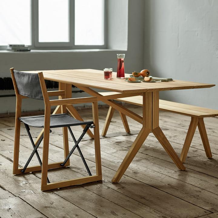 Weishäupl- Loft Bank, Tisch und Stuhl im Ambiente