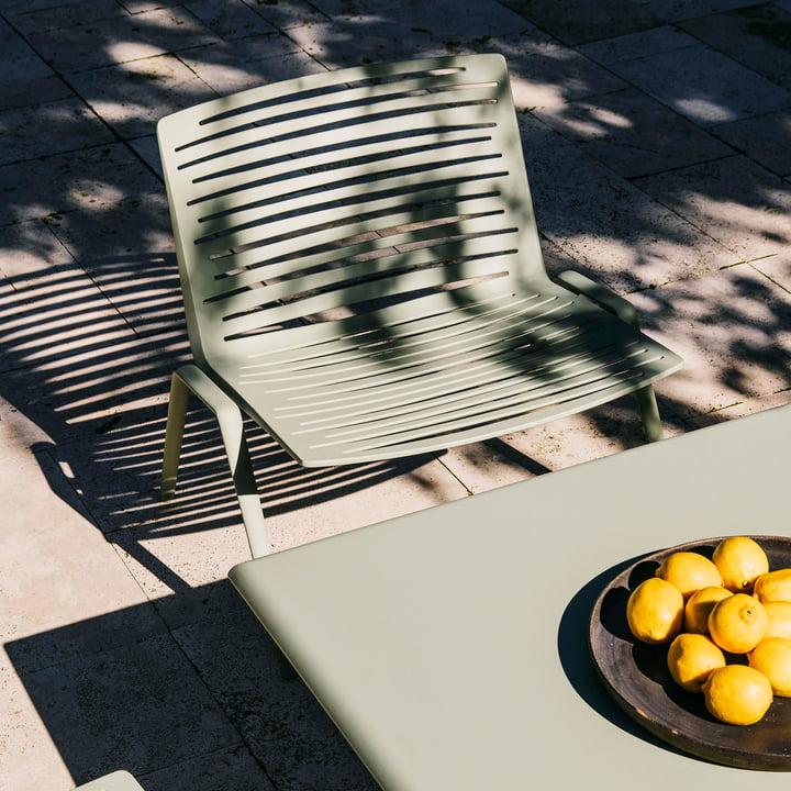 Zebra Loungesessel und Zebra Tisch Up & Down von Fast