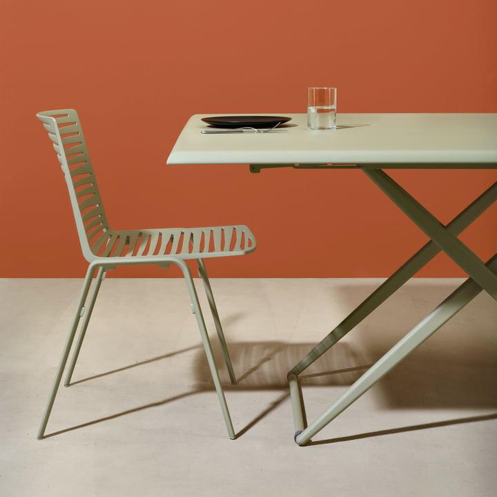 Zebra Stuhl mit Zebra Tisch Up & Down von Fast