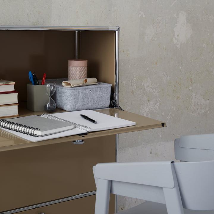 Das USM Haller - Highboard S - Klapptür als Schreibtisch genutzt