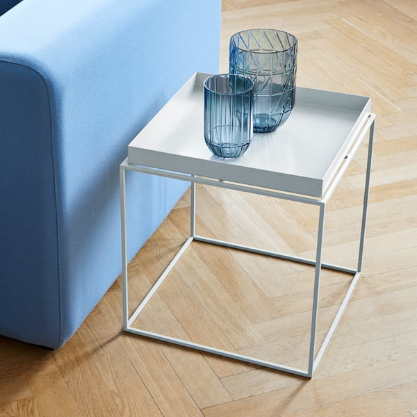 Tray Table und Colour Vase Glasvase von Hay