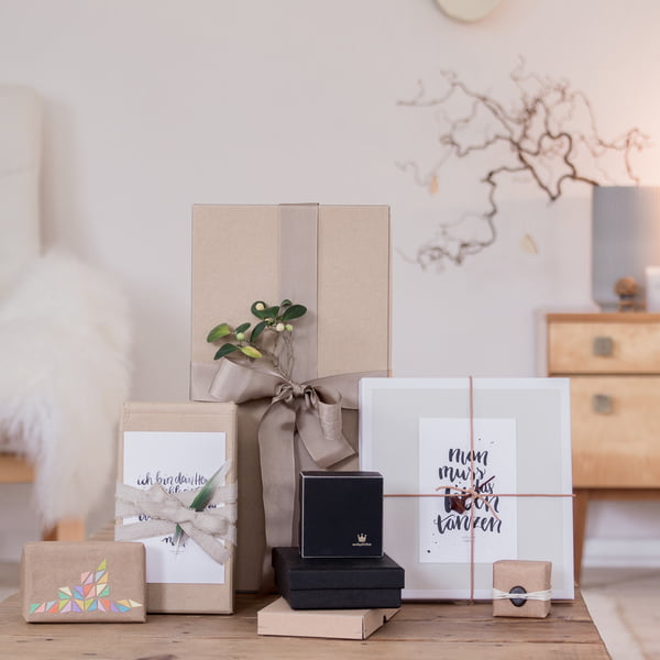 geschenke verpacken 6 sch ne ideen connox magazine. Black Bedroom Furniture Sets. Home Design Ideas