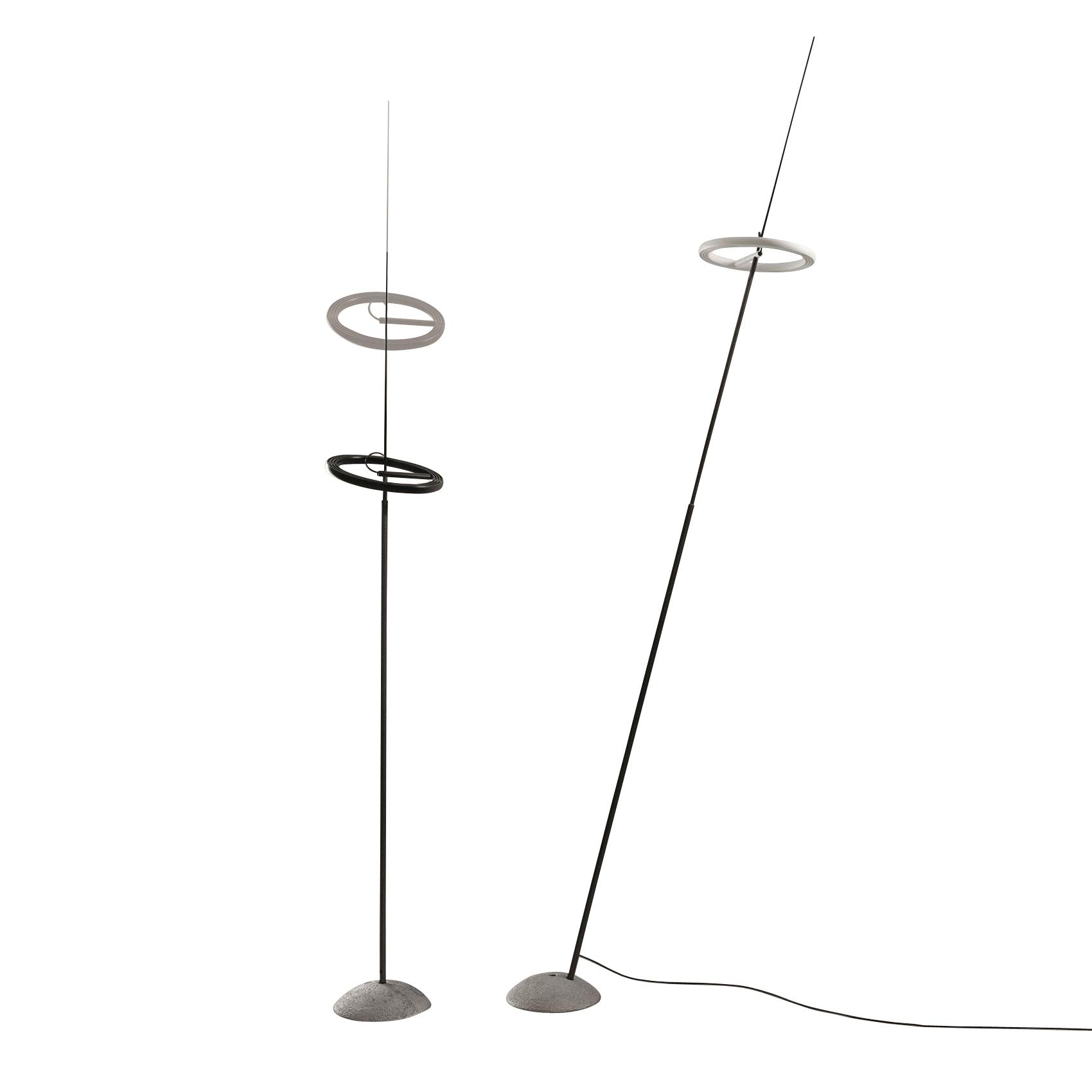 Ingo Maurer - Ringelpiez - Lampadaire LED - noir/support en fibre de carbone/H 150-200cm/2200 lm/3000 K/CRI 95